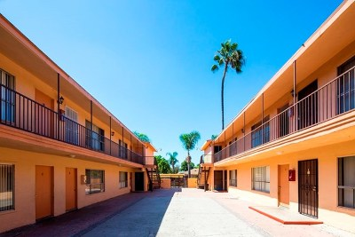 Santa Ana Multi Family Home For Sale: 1013 S Standard Avenue