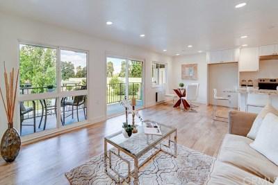 Laguna Woods Condo/Townhouse For Sale: 2135 Via Puerta #C