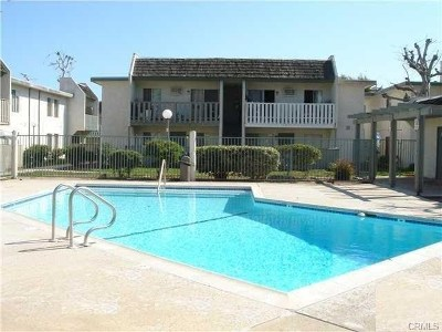Santa Ana Condo/Townhouse For Sale: 801 S Lyon Street #H-3