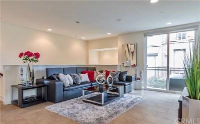 Irvine Condo/Townhouse For Sale: 37 Waldorf