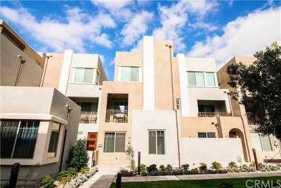 Irvine Condo/Townhouse For Sale: 215 Magnet