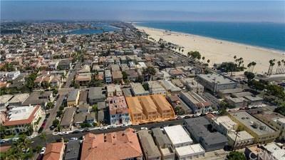 Long Beach Multi Family Home For Sale: 44 Argonne Avenue