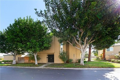 Fountain Valley Condo/Townhouse Active Under Contract: 15931 Rhodolite Court