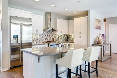 Costa Mesa Single Family Home For Sale: 825 Brickyard Lane