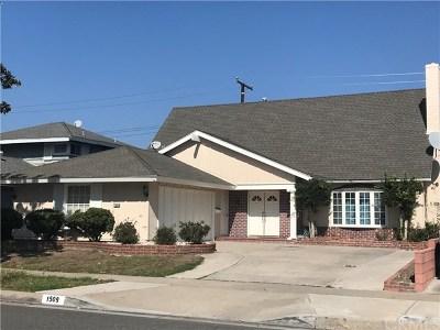 Santa Ana Single Family Home For Sale: 1509 W San Lorenzo Avenue