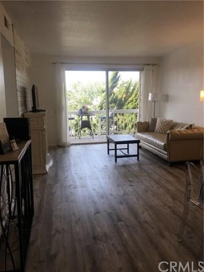 Huntington Beach Condo/Townhouse For Sale: 20191 Cape Coral Lane #219