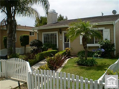 Huntington Beach CA Single Family Home For Sale: $924,950