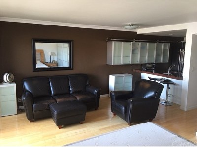 West Hollywood Condo/Townhouse For Sale: 950 N Kings Road #246