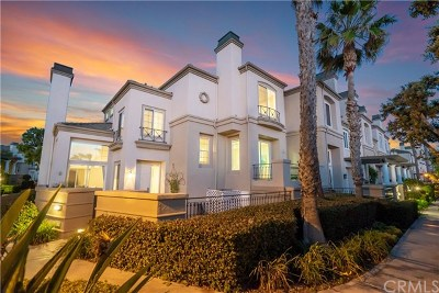 Huntington Beach Condo/Townhouse For Sale: 19407 Surfset Drive