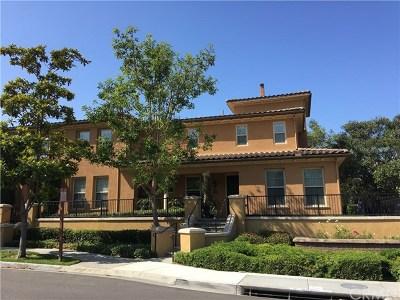 Irvine Condo/Townhouse For Sale: 40 Lamplighter
