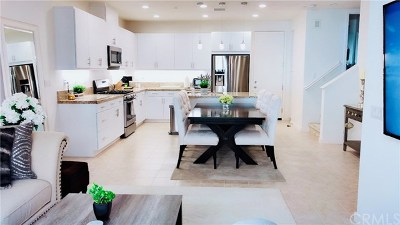 Lake Forest Condo/Townhouse For Sale: 118 Finch
