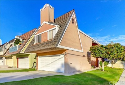 Huntington Beach CA Single Family Home For Sale: $875,000