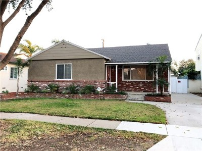 Lakewood Single Family Home For Sale: 2532 Denmead Street