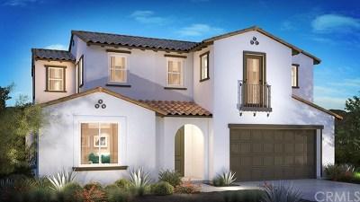 Santa Ana Single Family Home For Sale: 2253 N. Lyon Street