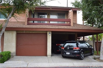 Santa Ana Condo/Townhouse For Sale: 4526 W 5th Street #60