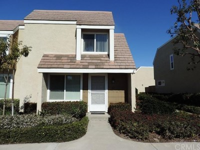 Irvine Condo/Townhouse For Sale: 43 Meadowgrass