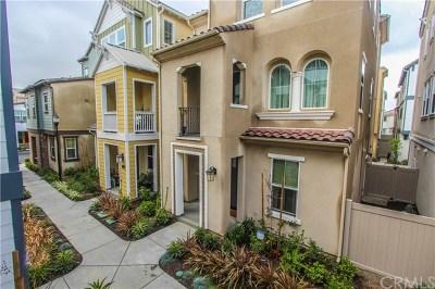 Santa Ana CA Single Family Home For Sale: $640,000