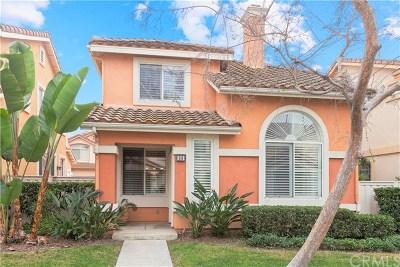 Single Family Home For Sale: 66 Avanzare