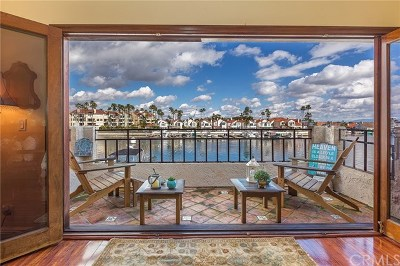Huntington Beach Condo/Townhouse For Sale: 3235 Moritz Drive #30