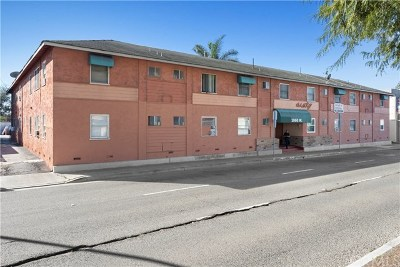 Santa Ana Multi Family Home For Sale: 1060 W 17th Street