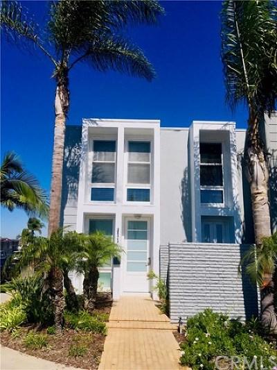 Huntington Beach Condo/Townhouse For Sale: 3949 Warner Avenue