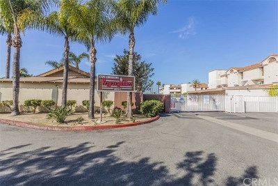 Santa Ana Condo/Townhouse For Sale: 1602 N King Street #K2