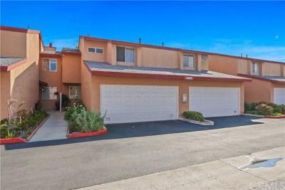 Santa Ana Condo/Townhouse For Sale: 3860 W Hazard Ave #C