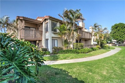 Huntington Beach CA Condo/Townhouse For Sale: $300,000