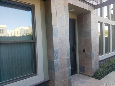 Santa Ana Condo/Townhouse For Sale: 236 N Bush Street