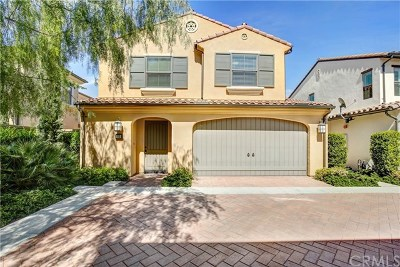 Irvine Condo/Townhouse For Sale: 113 Waterleaf
