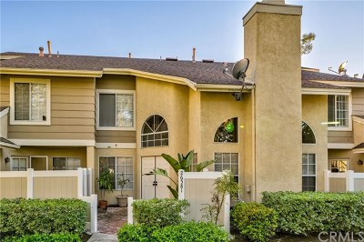 Lake Forest Condo/Townhouse For Sale: 26581 Moon Ridge