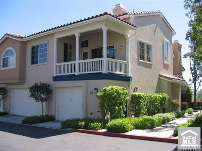 Rancho Santa Margarita Condo/Townhouse For Sale: 60 Tierra Montanosa