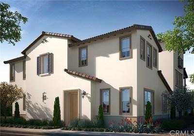 La Habra Condo/Townhouse For Sale: 152 Fuerte Lane