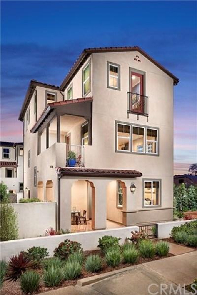 La Habra Condo/Townhouse For Sale: 154 Fuerte Lane
