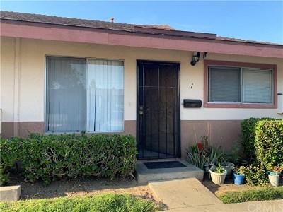 Santa Ana Condo/Townhouse For Sale: 2500 S Salta Street #1