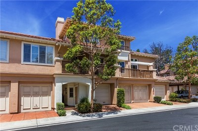Tustin Condo/Townhouse For Sale: 2673 Dietrich Drive