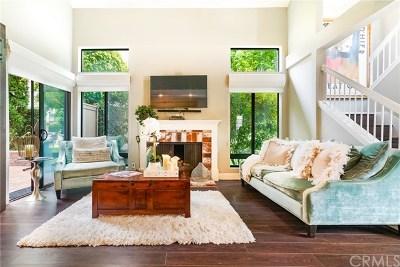 Newport Beach CA Condo/Townhouse For Sale: $899,999