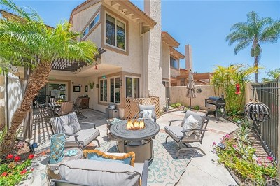 Huntington Beach Single Family Home For Sale: 8456 Oakstone Circle
