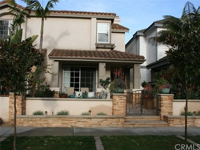 Huntington Beach CA Single Family Home For Sale: $1,289,000
