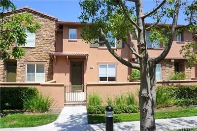 Irvine CA Condo/Townhouse For Sale: $698,880