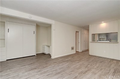 Santa Ana CA Condo/Townhouse For Sale: $235,000