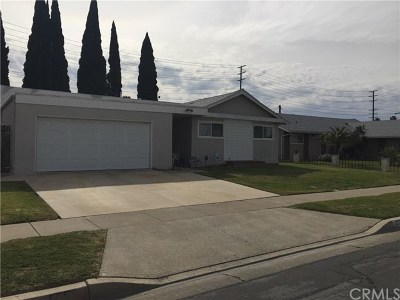 Tustin Single Family Home For Sale: 17232 Medallion Avenue