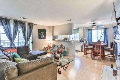 Huntington Beach Condo/Townhouse For Sale: 7841 Essex Drive #103
