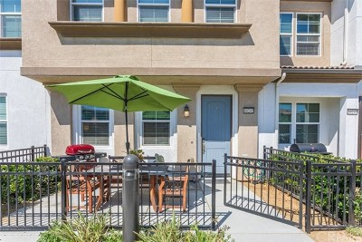 Murrieta Condo/Townhouse For Sale: 40245 Calle Real