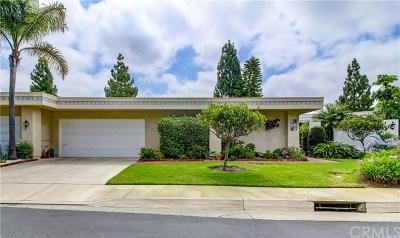 Laguna Woods Condo/Townhouse For Sale: 5584 Via Dicha #B