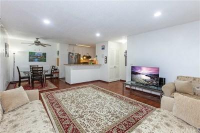 Santa Ana Condo/Townhouse For Sale: 2501 W Sunflower Avenue #F5