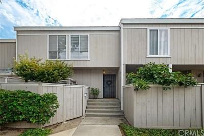 Santa Ana Condo/Townhouse For Sale: 2700 W Segerstrom Avenue #C