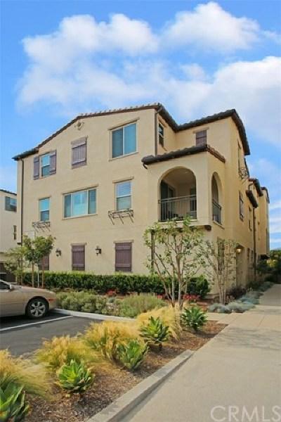 Rancho Santa Margarita Condo/Townhouse For Sale: 21435 Dahlia Court