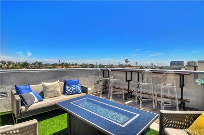Costa Mesa Condo/Townhouse For Sale: 1530 Greenwich Way