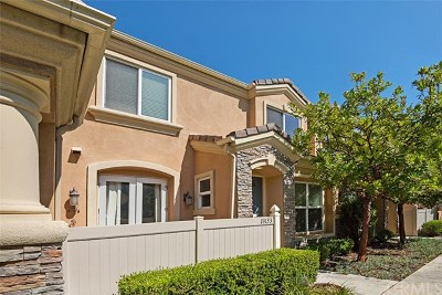 Huntington Beach Condo/Townhouse For Sale: 19153 Alexa Lane